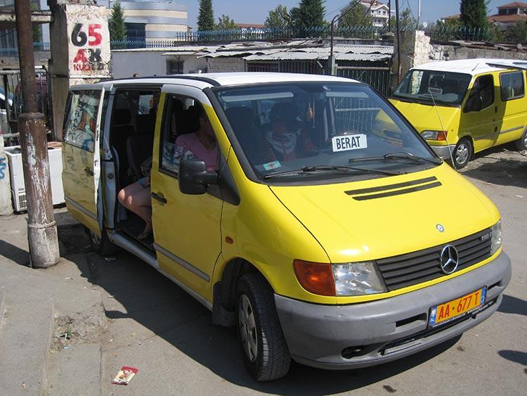 Come Muoversi Albania Furgon.jpg