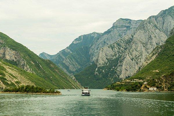 Lago Koman Albania Foto