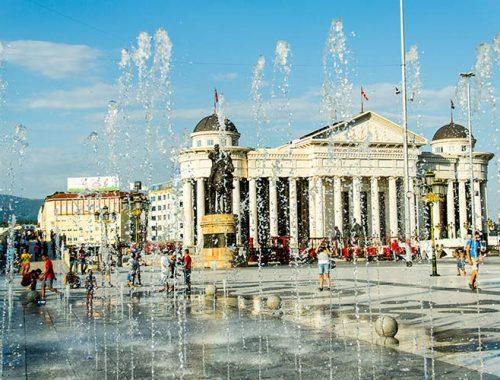Cosa Vedere Skopje Macedonia Mille Statue