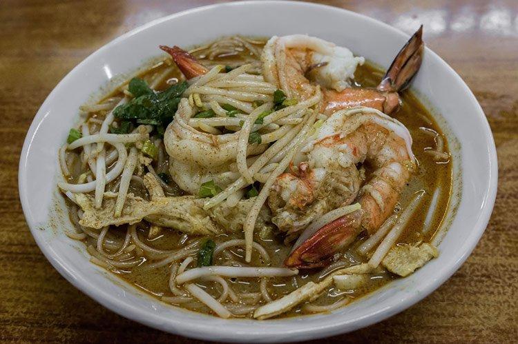 Zuppa di noodles piatto fondamentale della cucina thailandese for Piatto della cucina povera