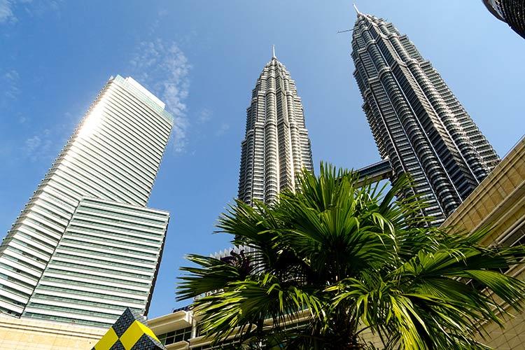 Visitare Petronas Towers Menara Kuala Lumpur Malesia