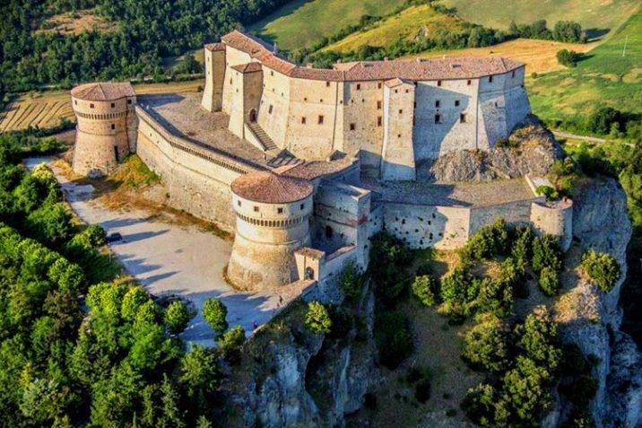 Cosa Vedere Fare Borgo San Leo Romagna Guida