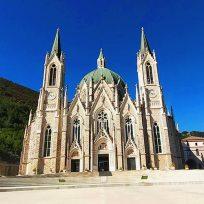 Cosa Vedere Castelpetroso Molise Borgo Santuario Addolorata